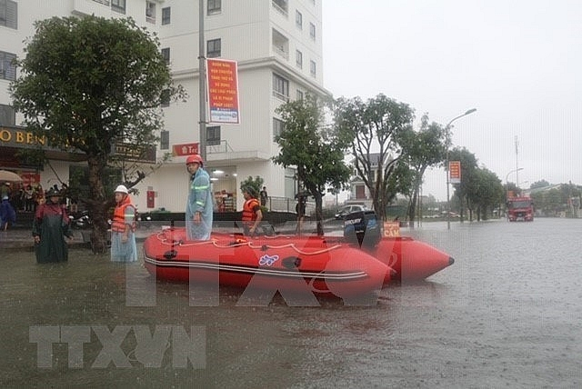 nghe an province evacuates residents as flooding worsens