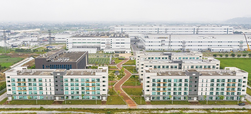 Vietnam boasts nearly 400 IZs and thousands of industrial clusters, attracting millions of workers, photo Duc Thanh