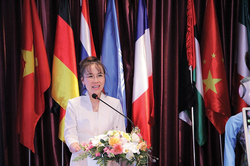 Female billionaire Nguyen Thi Phuong Thao's quotes inspire the community