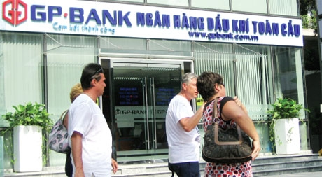 Usual suspects still haunt banks