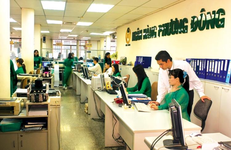Banks race to grab customers