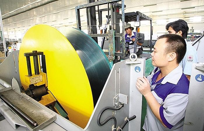 Vietnam's economy on track, says government