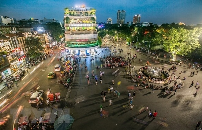 hanoi looks to non smoke tourism