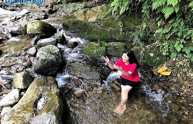 Tuyen Tung waterfall, a highlight in Quang Ngai tourism