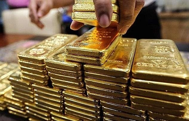 Volatility, year-end demand drive gold prices up