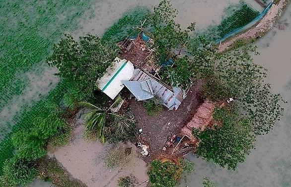 20 dead as Cyclone Bulbul smashes into India, Bangladesh coasts