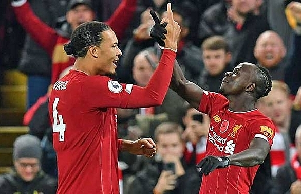 Liverpool beat Man City to open up eight-point Premier League lead