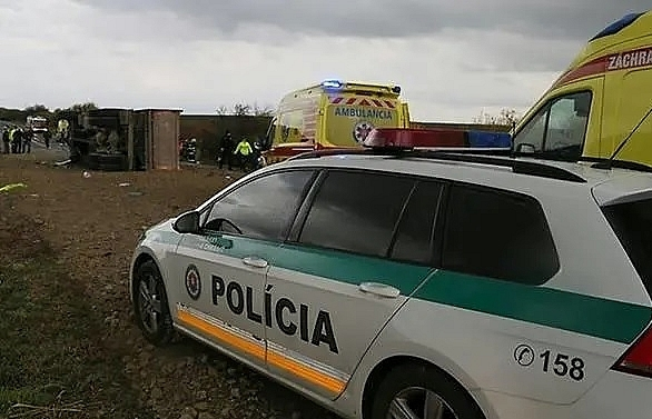 School pupils among 12 dead in Slovakia bus crash