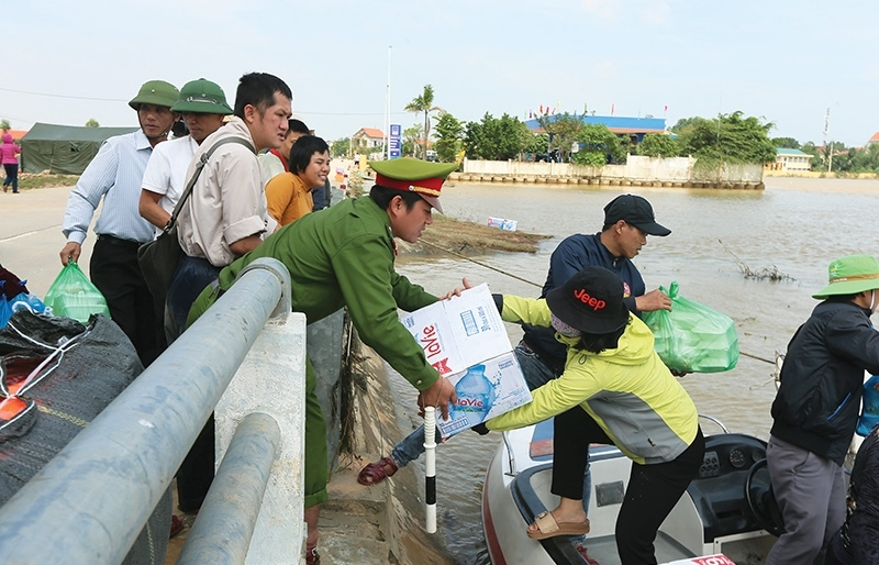 Support pours in for flood victims