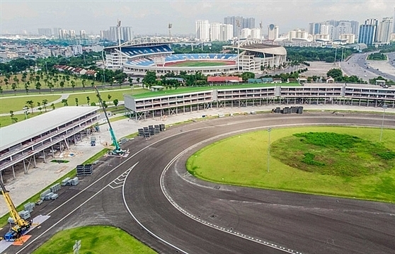 Experts simultaneously called for the cancellation of the Formula 1 race in Hanoi
