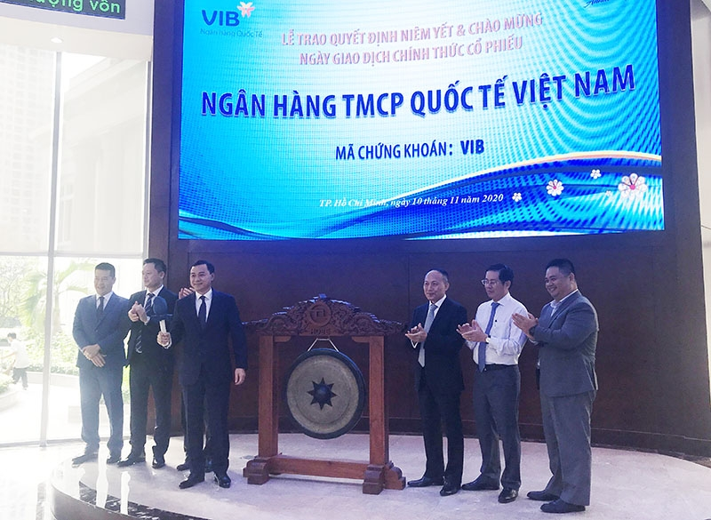 vib officially lists nearly 1 billion shares on hsx
