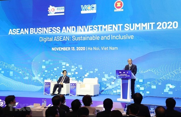 Joint efforts from businesses needed for regional economic recovery: PM