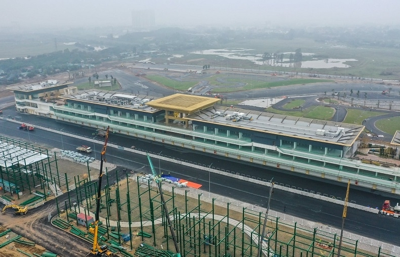 vietnam still in negotiations on hosting f1 grand prix next year