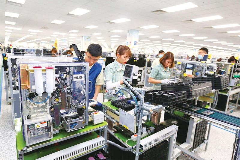 industrial production on track across thai nguyen