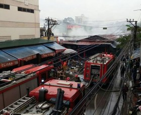 40 market kiosks destroyed in huge fire