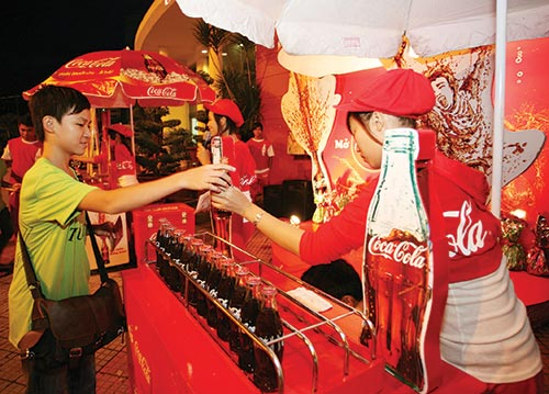 hoa binh co bubbles over with v cola fizzy drink plan