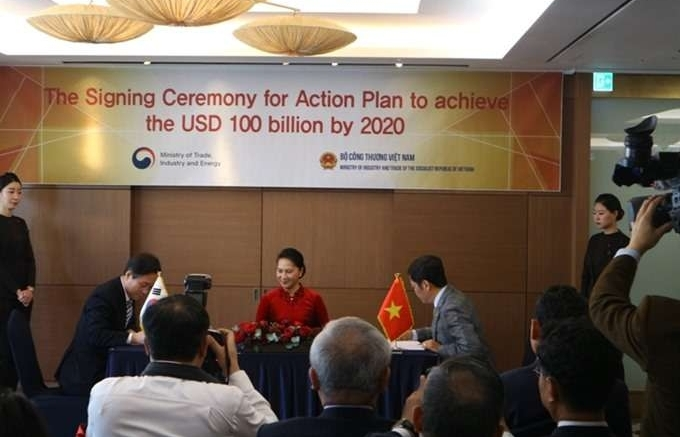 Vietnam, RoK ink action plan to lift bilateral trade to US$100 billion by 2020