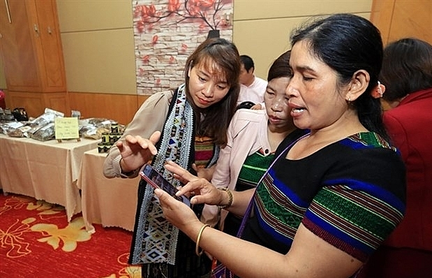 Ethnic minority women speed up poverty reduction with IR 4.0 technology