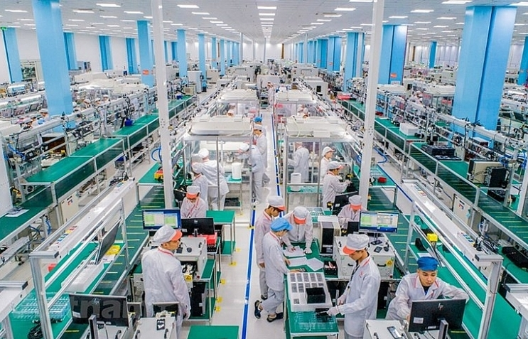 Discovering Made-in-Vietnam 5G-enabled smartphone factory (photos)