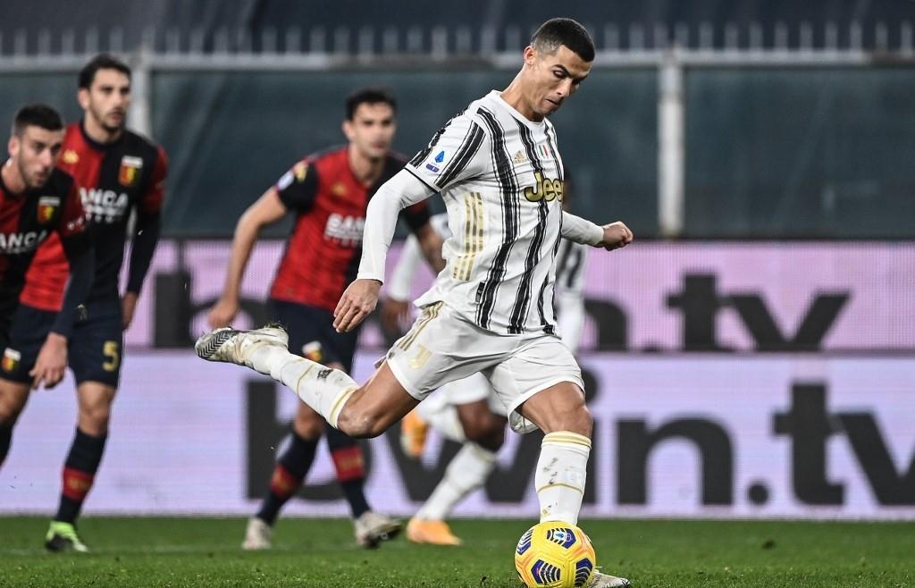 Ronaldo marks Juve century as late Hernandez brace rescues AC Milan