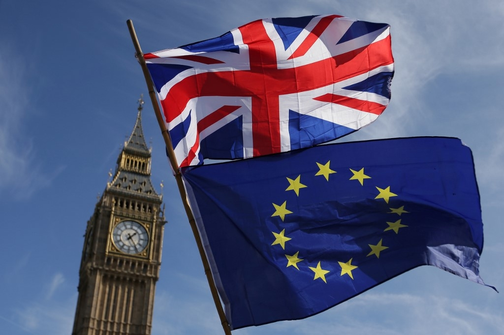 uk and eu extend brexit talks after ditching deadline
