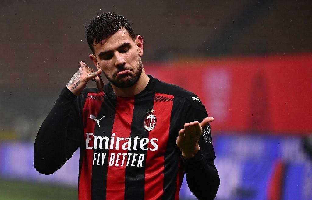 Hernandez strikes late to keep AC Milan ahead of Inter in Serie A