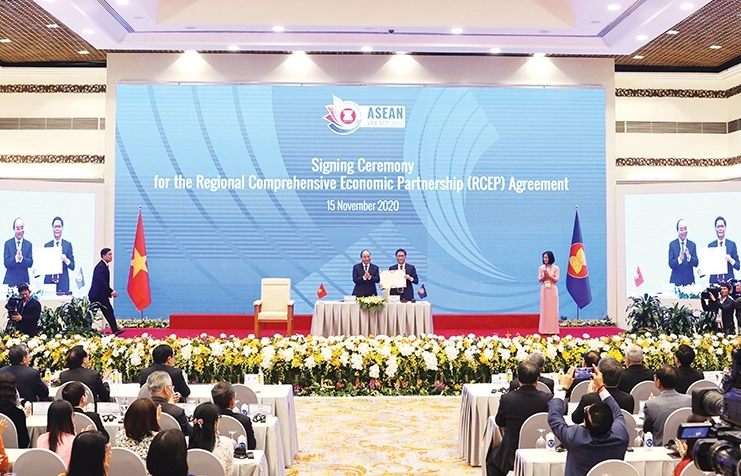 A year of adjustment for Vietnam's ASEAN plans
