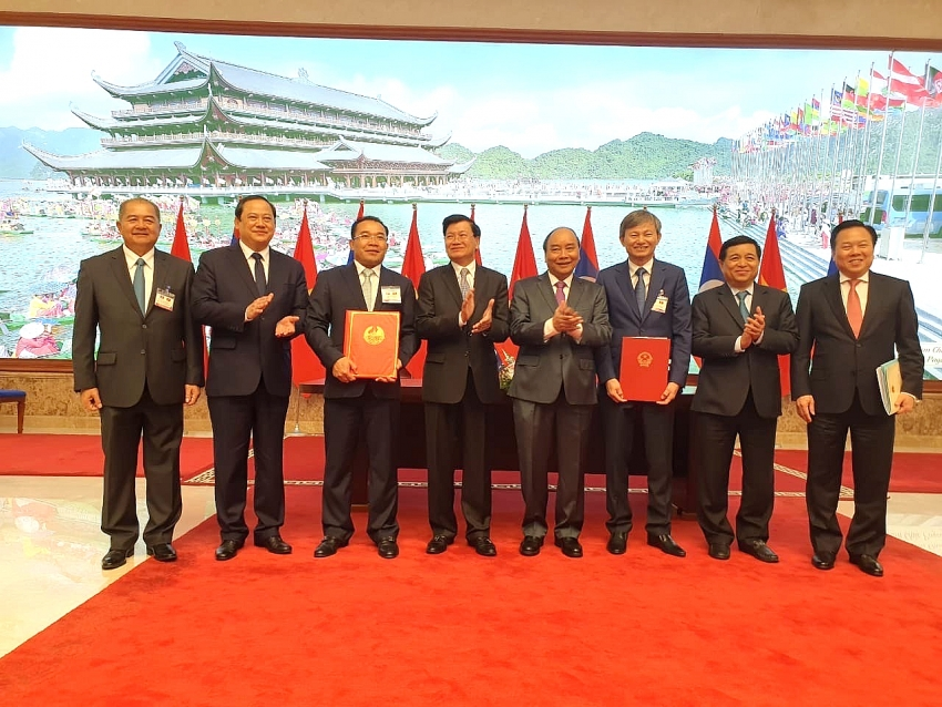 evn and phongsubthavy group sign ppas for nam san hydropower projects