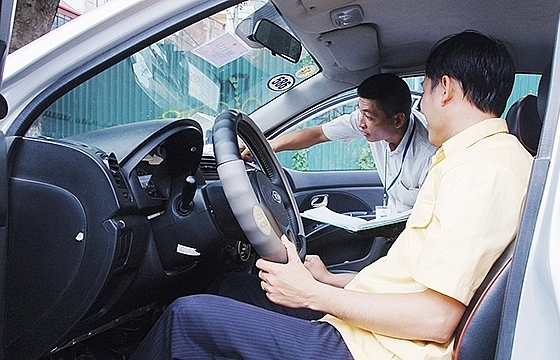 Domestic firms launch ride-hailing applications to fill in Uber's space