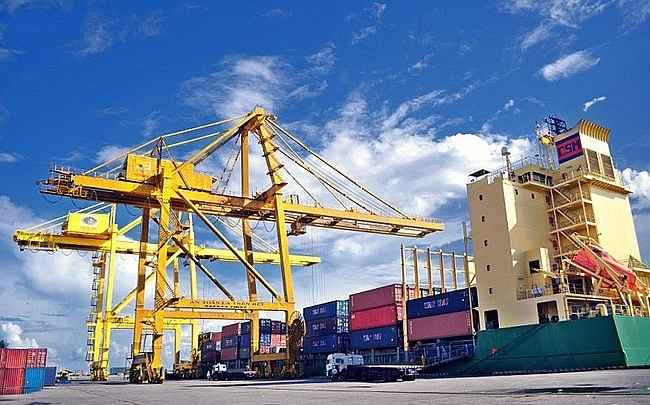 Export-import turnover hits 10-year record