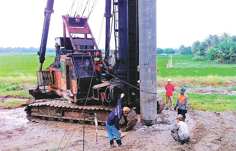 Trung Luong-My Thuan Expressway a step closer to resume construction