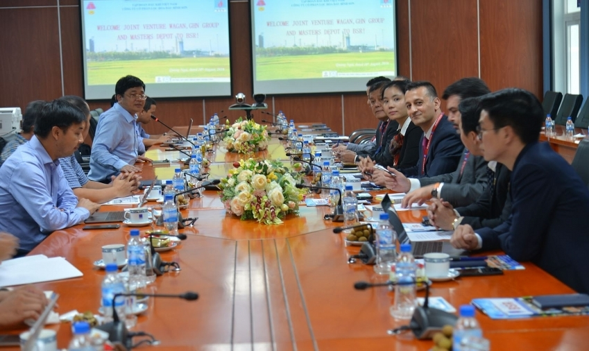 US investors look to develop expaned Dung Quat Refinery