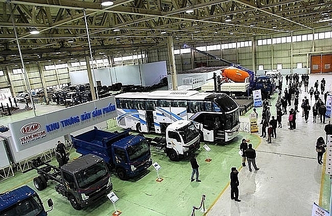 veam reports massive stock of unsold trucks