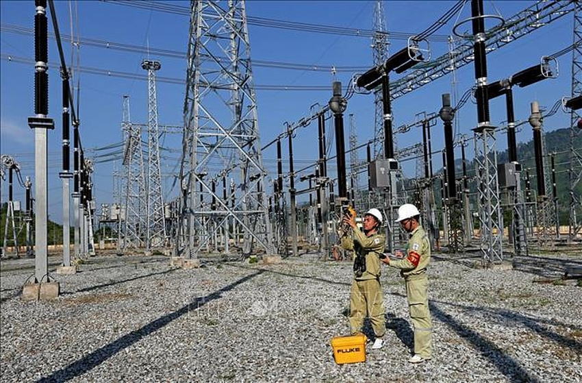 vietnam faces power shortages due to difficulties in capital and land clearance