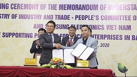 Samsung Vietnam commits to supporting local suppliers