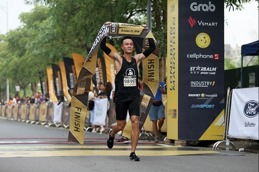 Member of AR Saigon wins at Longbien Marathon 2019