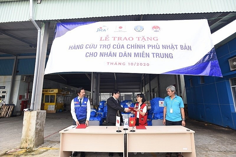 Japan sends disaster relief to Thua Thien-Hue province to overcome natural disasters