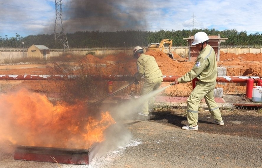 EVNNPT cvelebrates fire safety day with renewed commitment
