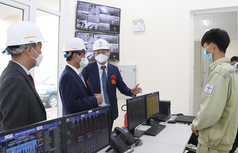 Lao Bao 220kV substation and Dong Ha-Lao Bao 220kV power line project inaugurated