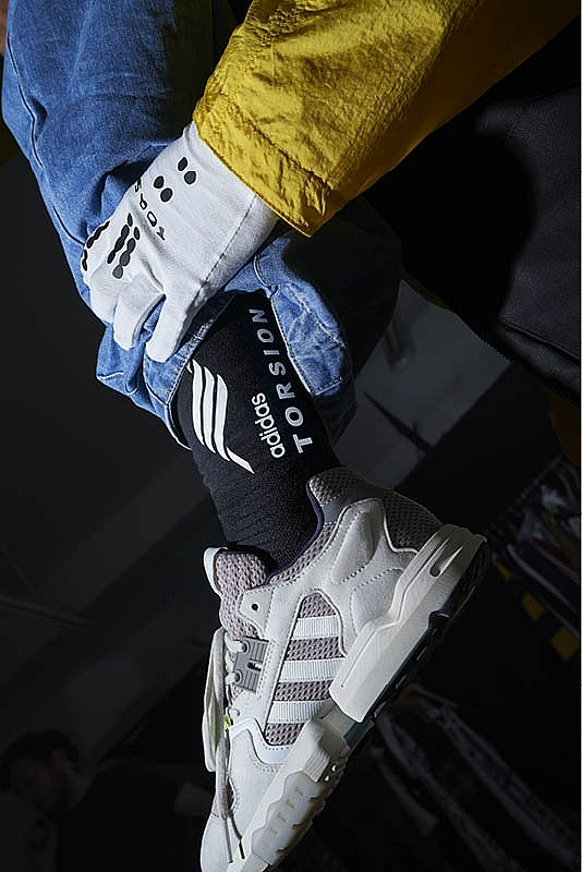 zx torsion shoes return in impressive colours