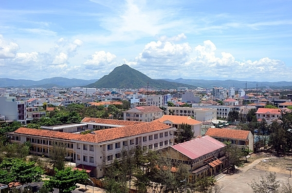 Phu Yen looks for contractor to restructure province