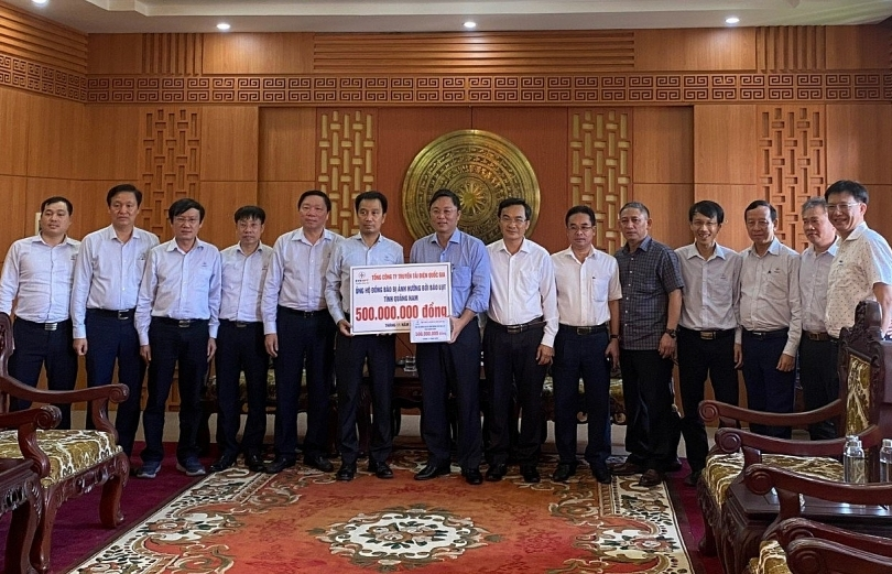 EVNNPT donates $43,480 to disaster-stricken locals of Quang Nam and Quang Ngai