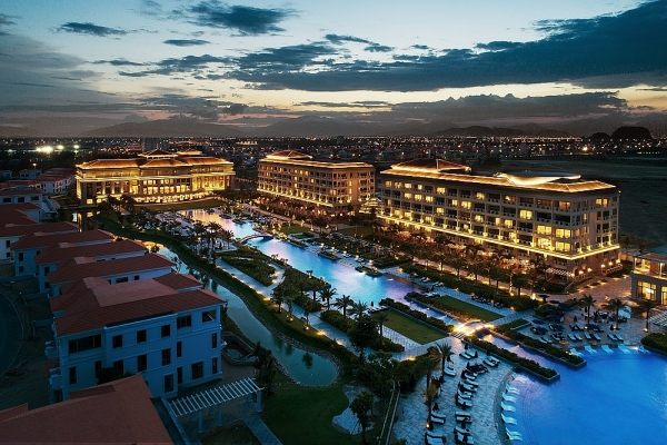 sheraton grand danang wins multiple prestigious international awards