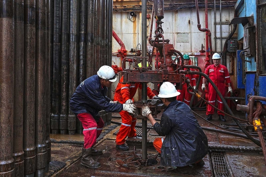 PetroVietnam flies over 11-month targets
