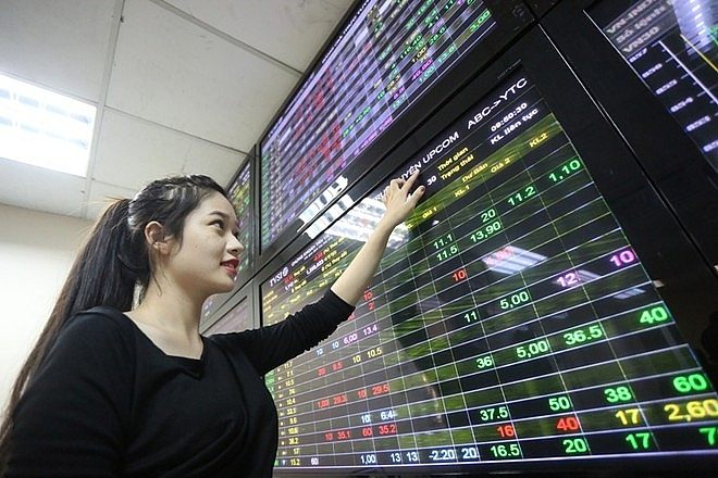 stocks rebound despite measure of pessimism among foreign investors