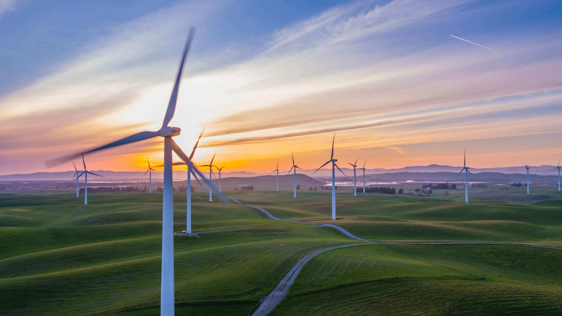 Trung Nam Group to set 16 wind turbines in service in Ninh Thuan