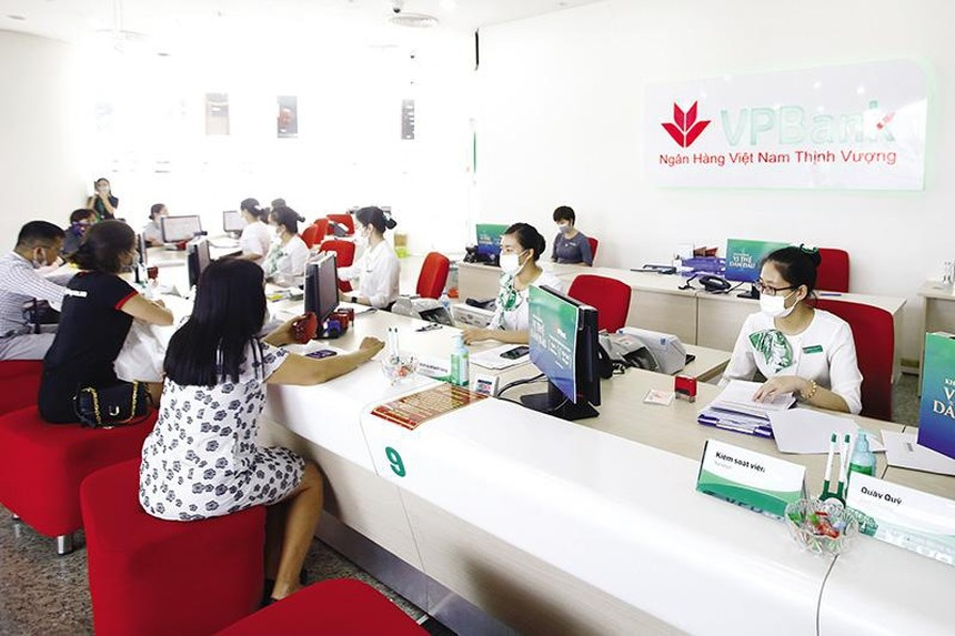 300 branches and transaction offices of banks in Ho Chi Minh City temporarily closed due to COVID-19