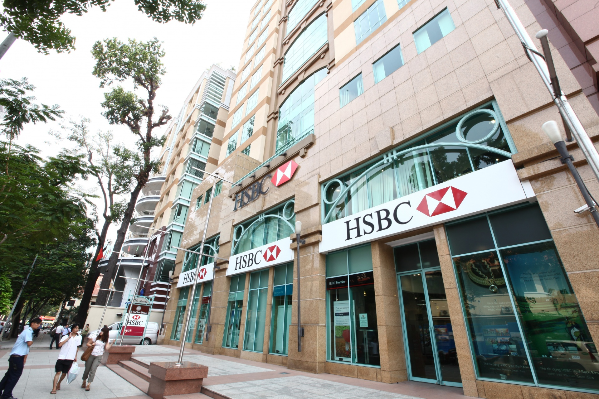 HSBC Vietnam deploys first green deposit for corporate clients