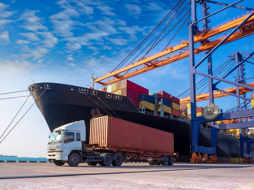 Port stocks boom thanks to thriving businesses in Vietnam