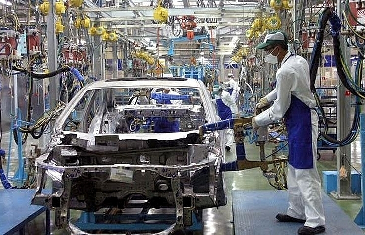Decree 116 and a mounting investment in automobile manufacturing